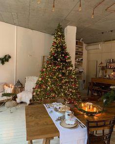 Christmas Mood, A Christmas Story, Christmas And New Year, Merry Christmas, Xmas, Beautiful Christmas Trees, Christmas Decorations, Holiday Decor, Christmas Aesthetic