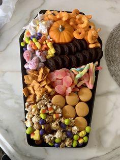 Halloween Desserts, Halloween Party Decor, Halloween 2020, Halloween Candy, Halloween Themes, Happy Halloween, Halloween Queen, Halloween Stuff, Halloween Crafts