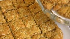 Diggers recipe - BBC Food -These deliciously chewy teatime treats will keep for up to a week in an airtight container. Simply Recipes, Sweet Recipes, British Baking Show Recipes, Flapjack Recipe, Melting Moments, Golden Syrup, Savoury Baking, Recipe Search, Tray Bakes