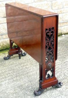 Victorian Mahogany Sutherland Table with beautiful fret work at ends. Victorian Furniture, Antique Furniture, Cool Furniture, Furniture Design, Edwardian House, Victorian Homes, Art Deco Living Room, Drop Leaf Table, Antiques For Sale