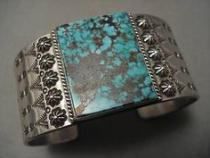 VINTAGE NAVAHO RED MOUNTAIN TURQUOISE SILVER CUFF