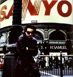 Bono Achtung Baby, Paul Hewson, Bono U2, Irish Singers, Piccadilly Circus, Looking For People, Love Rocks, Living Legends, Music Photo