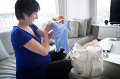 La lista ragionata del corredino che serve a un neonato. Dall'abbigliamento all'attrezzatura, dal beauty case agli accessori vari, dai pannolini da acquistare a qualche consiglio pratico.