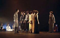Teatro da Universidade Técnica de Lisboa: Antígona @ Auditorio Municipal - Ourense escea escena teatro miteu