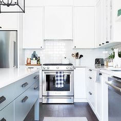 Thank you for all your ❤️'s and comments on my last post.  Here's another view of the kitchen. Love the island and well, pretty much everything. Link to the blog post is in my bio.  Tap for sources. #oneroomchallenge #pursuepretty #myhousebeautiful #whitekitchen #imaremodelaholic #cdnblogsquad #designhounds #interiors #snowyibiza #brightwhitewednesday  @ashleycapp