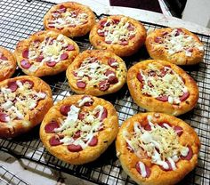 Roti Pizza Mini empuk lezatt :p
