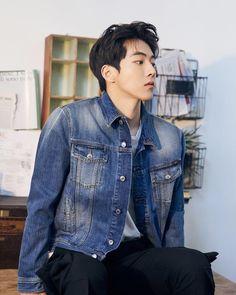 A shopaholic and her boyfriend Nam Joo Hyuk Smile, Nam Joo Hyuk Cute, Nam Joo Hyuk Scarlet Heart, Drama Korea, Korean Drama, Asian Actors, Korean Actors, Nam Joo Hyuk Wallpaper, Jong Hyuk