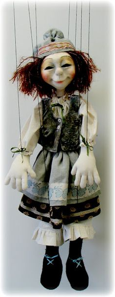 Marionette - Leslie Molen