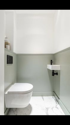 Small Toilet Decor, Small Toilet Room, Small Bathroom, Bad Inspiration, Bathroom Inspiration, Bathroom Styling, Bathroom Interior Design, Bathroom Under Stairs, Downstairs Toilet