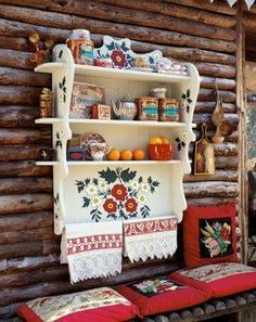 Shelves Russian patterns painted on a wooden shelf from Laura's Dishfunctional Designs via MarieClaire. Russian Folk Art, Russian Style, Tole Painting, Decoration Table, Wooden Shelves, Painting Patterns, Painted Furniture, Sweet Home, Crafty