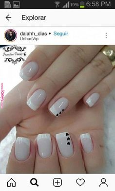 The advantage of the gel is that it allows you to enjoy your French manicure for a long time. There are four different ways to make a French manicure on gel nails. Creative Nail Designs, Creative Nails, Nail Art Designs, Red Nails, White Nails, Glitter Nails, Nail Design Spring, Nail Decorations, Perfect Nails