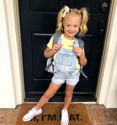 Take a look at these 11 facts about Everleigh Soutas/LaBrant. Get a quick biography, learn her age, birthday, real father, mom Sav & more. Kindergarten Fashion, Kindergarten Outfit, Savannah Rose, Cole And Savannah, Savannah Chat, Fashion Kids, Little Girl Fashion, School Fashion, Little Girl Hair