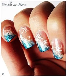 Snowflake Cool Winter Nail Art - Easy Winter Nail Art Design
