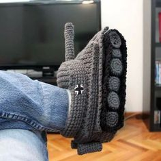 Funny pictures about Crafty tank slippers. Oh, and cool pics about Crafty tank slippers. Also, Crafty tank slippers. Crochet Tank, Crochet Shoes, Knit Crochet, World Of Tanks, Knitted Slippers, Crochet Projects, Cool Stuff, Stuff To Buy, Unique Gifts