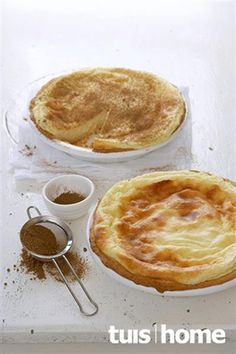 Genoeg vir: 2 melkterte Oondtemperatuur: 180 °C Bereidingstyd: 25 minute Baktyd: Custard Recipes, Tart Recipes, Sweet Recipes, Baking Recipes, Dessert Recipes, Yummy Recipes, Baking Desserts, Cake Baking, Brownie Recipes