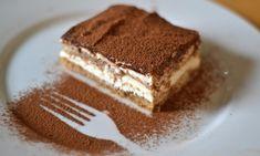 NOME: Tiramisù Al Mascarpone PIATTO: Dessert INGREDIENTE PRINCIPALE: Mascarpone PERSONE: 8 CALORIE PER PERSONA: 583 NOTE: - INGREDIENTI: 300 G ==== Biscotti Savoiardi 500 G ==== Mascarpone 4 ==== Uova ==== Rum 7 Cucchiai ==== Zucchero 1 Tazza ==== Caffè Ristretto ==== Cacao Amaro In Polvere  PREPARAZIONE Tiramisù Al Mascarpone : Sbattere bene i tuorli e 5 cucchiai di zucchero; unire mascarpone e 3 cucchiai di rum, quindi gli albumi