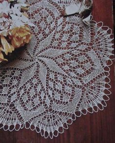 Tricot d'Art Crochet Doily Diagram, Crochet Doilies, Knit Crochet, Lace Knitting, Knitting Patterns, Tricot D'art, Barn Quilts, Stitch Patterns, Needlework