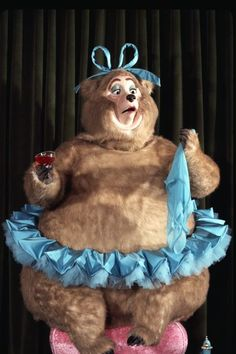 Color photo of Trixie from The Country Bear Jamboree. Old Disney, Disney Love, Disney Theme, Disney 2015, Disney Stuff, Vintage Disneyland, Disneyland Park, Disney World Resorts, Disney Parks