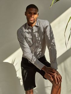 Classic Fit Long Sleeve Diamond Trellis print cotton shirt with spread collar and adjustable notched cuff. Fashioned in premium quality fabric with genuine mother of pearl buttons, contrast detail and a curved hem. This impeccably tailored shirt is perfec Men's Shirts And Tops, Luxury Purses, Mother Of Pearl Buttons, Dress Codes, Printed Cotton, Luxury Branding, Luxury Fashion, Men Casual, Trellis
