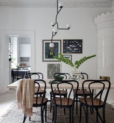6 tips for a welcoming living room - HomeCNB Dining Room Walls, Dining Room Design, Cozy Living Rooms, Apartment Living, Dining Room Inspiration, Home Interior Design, Interior Livingroom, Decoration, Sweet Home