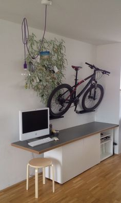 Materials: single BESTA / double BESTA / Numerär countertop / RIBBA picture ledge In order to create a space which could double as storage for my bike as well a place for my iMac, I mounted a regular kitchen countertop on top of some BESTA shelving units. The height fits perfectly. In order to give [&hellip