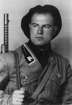 "GNR (former Milizia) paratrooper, battalion Mazzarini. Note the ""electric m"" on the black flames of the collar."