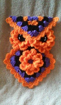 Crochet Halloween Owl Potholder/Hotpad Pattern only Read at : craftsome.blogspot.com