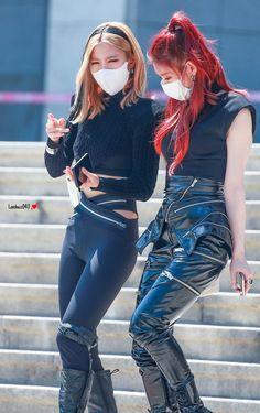 South Korean Girls, Korean Girl Groups, Korean Entertainment, Popular Music, Kpop Fashion, Girl Crushes, Mafia, Kpop Girls, Punk