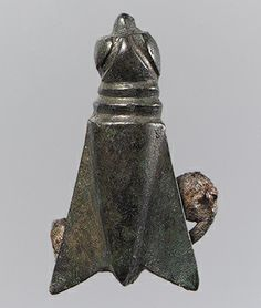The winged insect was a popular motif in both Germanic and nomadic metalwork during the late fourth and fifth centuries. Gold bees appeared in the grave of the Frankish king Childeric (d. while other richly appointed graves, such as that at Domagnano Viking Jewelry, Ancient Jewelry, Copper Jewelry, Antique Jewelry, Empire Romain, Insect Jewelry, Ancient Artifacts, Native Art, Metropolitan Museum