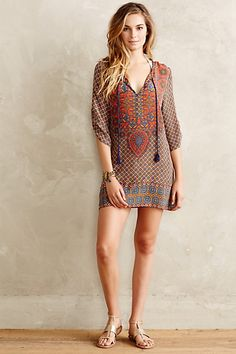 Anthropologie PHILEMA TUNIC #anthrofave Love the print and the fact that it has sleeves. Tad bit longer....maybe