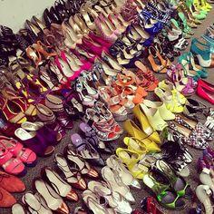 Stile Free Fashion: Un armadio pieno di scarpe