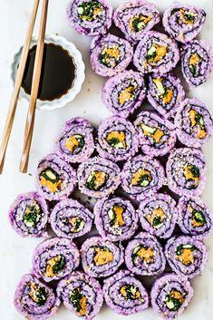 Spicy Sweet Potato Sushi & Healthy Little Vittles Sweet Potato Rice, Purple Sweet Potatoes, Roasted Sweet Potatoes, Healthy Sushi, Sushi Food, Vegan Art, California Rolls, Dessert Sushi, Chili Sauce