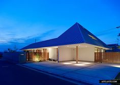 House in Sanbonmatsu // Hironaka Ogawa