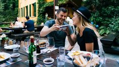 With summer's heat, lunch or dinner outdoors is just what you need. Southern Switzerland's grottos await you with their culinary delights. Small Moments, Summer Heat, Switzerland, Travel Inspiration, Lunch, Traditional, Dinner, Southern, Outdoors