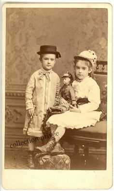 Childrens Toys and Games. The Best Advice When It Comes To Toys. Vintage Children Photos, Children Images, Vintage Girls, Vintage Images, Victorian Dolls, Antique Dolls, Antique Photos, Vintage Photographs, Historical Clothing