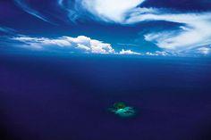 Photography: Yann Arthus-Bertrand.  Philippines. Ilot dans l'archipel de Sulu.jpg (788×525)