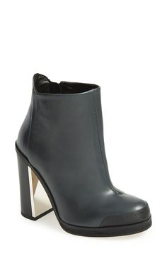 Awesome chunky booties for fall that have a little shimmer and shine!