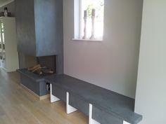 Schouw woonkamer voorzien van Kalkstucco. Een bijzondere wandafwerking met vele toepassingen. aangebracht door Verfmeesters.