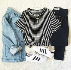 Favourite Ways to Style Casual Shoes - Love from Mim Adidas Original Superstar White How to Style Casual Shoes Adidas Superstar Outfit Ideas Tumblr Outfits, Mode Outfits, Fall Outfits, Casual Outfits, Casual Shoes, Shoes Style, White Shoes Outfit, Dress Casual, Hipster School Outfits