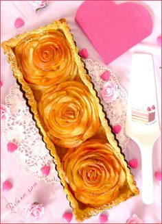 tarte-aux-pommes-bouquet-de-roses-saint-valentin-perle-en-sucre-tarte-aux-pom/ delivers online tools that help you to stay in control of your personal information and protect your online privacy. Apple Dessert Recipes, Healthy Cake Recipes, Dump Cake Recipes, Homemade Cake Recipes, Summer Desserts, Christmas Desserts, Sweet Recipes, Rose Saint Valentin, Roses Valentines Day