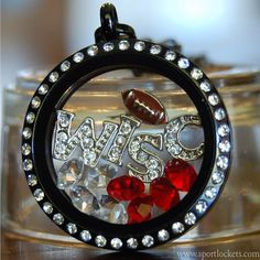 Wisconsin Badgers college football locket necklace – SportLockets.com