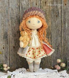 Коллекционные куклы ручной работы. Ярмарка Мастеров - ручная работа Текстильная коллекционная кукла Любимая куколка с мишкой. Handmade.