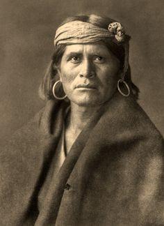 Edward Curtis. Apache Man.