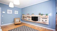 Salón sencillo y natural con mueble de palets - Amplitud