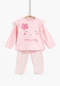Kids Nightwear, Girls Sleepwear, Cute Little Girls Outfits, Kids Outfits, Baby Girl Fashion, Kids Fashion, Teddy Bear Clothes, Trendy Baby Clothes, Kids Z