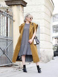 outfit: vichy karo & ärmelloser Trenchcoat – Nachgestern ist vormorgen