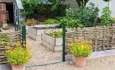 Make your fingers green this summer, take inspiration from these kitchen gardens…