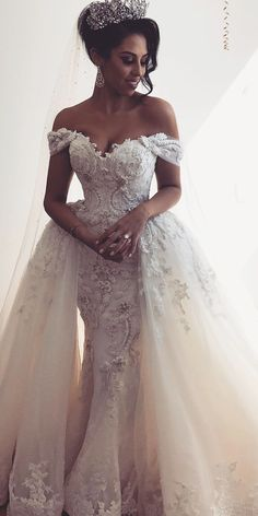 24 Trumpet Wedding Dresses That Are Fancy & Romantic Trumpet wedding dresses are a perfect decision for those who want to look chic & stand out from the crowd. Civil Wedding Dresses, Princess Wedding Dresses, Best Wedding Dresses, Wedding Attire, Bridal Dresses, Wedding Gowns, Romantic Dresses, Wedding Bridesmaids, Lace Wedding