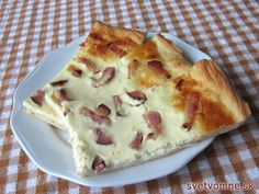 Bryndzový posúch so slaninou Bacon Cake, Slovak Recipes, Party Finger Foods, Savoury Cake, Hawaiian Pizza, Food Porn, Food And Drink, Cooking Recipes, Yummy Food