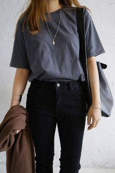 41 Ideas For Fashion Minimalist Wardrobe CapsuleYou can find Minimalist fashion and more on our Ideas For Fashion Minimalist Wardrobe Capsule Cool Street Fashion, Look Fashion, Korean Fashion, Fashion Outfits, Fashion Capsule, Fashion Ideas, Fashion Clothes, Fashion Women, Fashion Online
